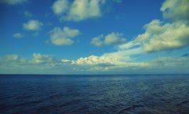 Oceano, opinião das nuvens Imagem de Stock