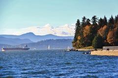 Oceano Pacifico dalla baia inglese, Vancouver del centro, Columbia Britannica fotografie stock libere da diritti