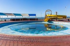 Oceano seco da corrediça de água da piscina Fotos de Stock