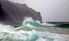 Oceano Wave/spuma/rompersi Wave immagine stock
