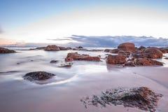 Oceanscape στην ανατολή Στοκ εικόνα με δικαίωμα ελεύθερης χρήσης