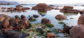 Oceanscape bei Sonnenaufgang Lizenzfreies Stockfoto