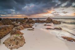 Oceanscape bei Sonnenaufgang Lizenzfreies Stockbild