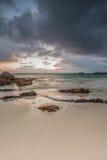 Oceanscape no nascer do sol imagens de stock royalty free