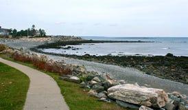Oceansiden går i New England Royaltyfri Foto