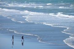 Oceanu falowy wzór od above zdjęcia royalty free