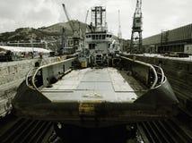 Oceanu holownik przy suchym dokiem Zdjęcia Royalty Free