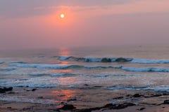 Oceanu horyzontu wschodu słońca linia brzegowa Obraz Royalty Free