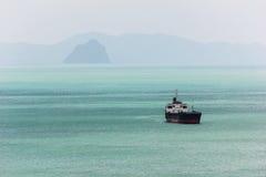 Oceanu liniowiec w morzu Obraz Royalty Free