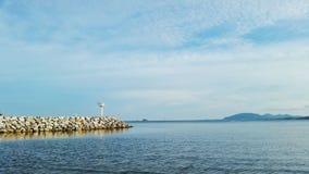 Oceanu punkt zwrotny i latarnia morska Zdjęcie Royalty Free