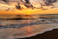 Oceanu zmierzchu promienie Zdjęcia Stock