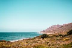 Oceanview dalla costa di California, Stati Uniti Fotografia Stock