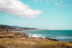 Oceanview från den Kalifornien kusten, Förenta staterna Royaltyfri Foto