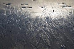 Oceany Tworzący wzory w piasku zdjęcie royalty free