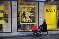 50% 40% och 30% av försäljning på företagsbutikskedjan Arkivfoto