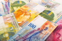 100, 50, 20 och 10 CHF-schweizaresedlar Royaltyfri Fotografi
