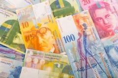 100, 50, 20 och 10 CHF-schweizaresedlar Royaltyfri Bild