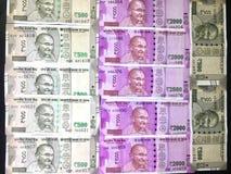 500 och 2000 indiska valutaanmärkningar för rupie Royaltyfri Foto