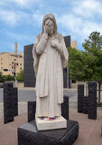 Och Jesus Wept Statue, nationellt minnesmärke för oklahoma city & museum Arkivbilder