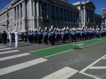 Och musikbandet spelade på i San Francisco arkivbilder