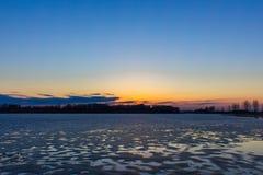 Is och solnedgång Fotografering för Bildbyråer
