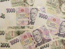 1000 och 2000 tjeckiska korunasedlar Arkivbild