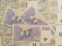 1000 och 2000 tjeckiska korunasedlar Arkivbilder