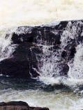 Och vattnet vrålar Royaltyfria Foton
