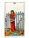 8 ocho de confinamiento de la colocación de trampas de las restricciones de la carta de tarot de las espadas cogido en un lazo ce imagen de archivo libre de regalías
