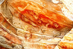 Ochre ζωγραφική χεριών σπηλιών στοκ φωτογραφία με δικαίωμα ελεύθερης χρήσης