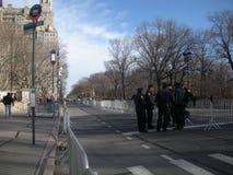 Ochrona Przygotowywająca, NYPD funkcjonariuszi policji w ulicie, central park Zachodni, NYC, NY, usa obrazy royalty free