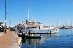 Ochrona w gumowej łodzi i jachtach przy ekranowym festiwalem w Cannes, Francja Zdjęcia Stock