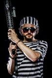 Ochrona Więźniarski zamieszki pojęcie Mężczyzna trzyma maszynowego pistolet, prisone zdjęcie royalty free