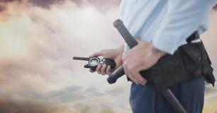 Ochroniarz outside z chmurnym niebem zdjęcie stock