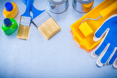 Ochronnych rękawiczek farby muśnięć tacy rolkowe puszki Zdjęcie Stock
