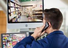 ochrony guar telefonowanie przed ochrona ekranami zdjęcie stock