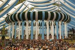 Ochsenbratereitent in Oktoberfest in München, Duitsland, 2016 Stock Afbeeldingen