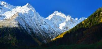 Ochtend in bergen Royalty-vrije Stock Foto