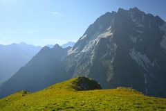 Ochtend in bergen Stock Afbeelding