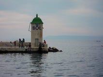 Ochtend die in Bol, eiland brac-Kroatië vissen Stock Foto's