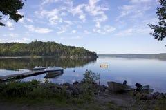 Ochtend op het meer stock afbeelding
