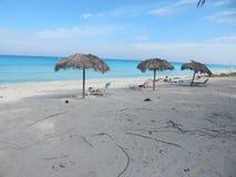 Ochtend op het strand Varadero, Cuba royalty-vrije stock afbeelding
