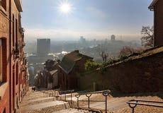 Ochtendmening over Luik in de winter Royalty-vrije Stock Afbeelding