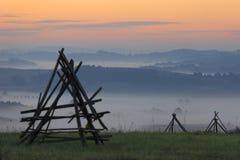 Ochtendmist over gebieden en weiden van Podkarpacie-gebied in Polen Royalty-vrije Stock Foto's
