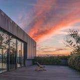 Ocioso vacío del sol en el tejado con el cielo perfecto Foto de archivo libre de regalías