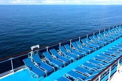 Ociosos azules en la cubierta Fotos de archivo libres de regalías