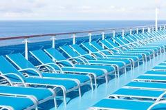 Ociosos azules en la cubierta Imagen de archivo