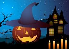 också vektor för coreldrawillustration halloween Pumpahatt med stearinljus på en bakgrund av ett gammalt hus Arkivbilder