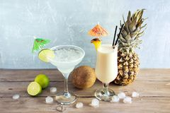 Ocktails do ¡ de Margarita e de Pina Colada Ð imagens de stock royalty free