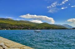 Ocrida, Macedonia - barca in lago fotografia stock libera da diritti